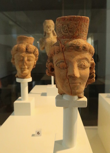 Early painted pottery heads