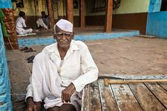 BADAMI : PORTRAIT DE RUE (pierre.arnoldi) Tags: inde india pierrearnoldi photoderue photooriginale photocouleur badami karnataka portraitdhomme portraitsderue canon