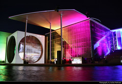 Lightshow, Marie-Elisabeth-Lüders-Haus, Berlin, Germany (JH_1982) Tags: marieelisabethlüdershaus marie elisabeth lüders haus melh bundestag nacht night nuit noche notte 晚上 夜 ночь glow glowing leuchten dunkel dark darkness light lights lichter licht facade fassade show screen screens farben farbig deutschen volke laser friedrichebertplatz fiedrich ebert platz parlamentarische spurensuche color colors colour colours colorful colourful glass glas history geschichte film movie water spree river reflection lichtprojektion berlin berlín berlino berlim berlijn 柏林 ベルリン 베를린 берлин germany deutschland allemagne alemania germania 德国 ドイツ германия