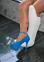 legs (cast'n_heels) Tags: plastercast platform piedoplatre gipsbein slwc gehgips heel gesso legs highheel tights nylon
