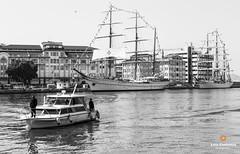 Boat - Rio de Janeiro (Luiz Contreira) Tags: boat boats riodejaneiro brazil brasil brazilianphotographer southamerica blackwhite bw barco ship pretoebranco people pessoas landscape américadosul rio