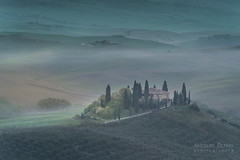 A9905186_s (AndiP66) Tags: villabelvedere villa belvedere sanquiricodorcia sanquirico dorcia sonnenaufgang sunrise nebel dunst fog mist sonne sun morgen morning april spring frühling 2017 siena pienza valledorcia valle toscana tuscany italien italy sony alpha sonyalpha 99markii 99ii 99m2 a99ii ilca99m2 slta99ii tamron tamronspaf70200mmf28dildif tamron70200mm 70200mm f28 amount andreaspeters