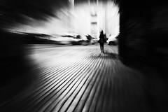 zooming 1 (luporosso) Tags: zooming street streetphotography bianconero biancoenero blackandwhite blackwhite blancoynegro noiretblanc bn bnw bw monocromatico monochrome