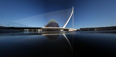 IMG_7941_stitch (AndyMc87) Tags: valencia stitch stiched canon eos 6d 2470 bridge reflection stadt der künste agora pool panorama spanien spain clear blue sky light shadow puenta architecture building nd1000 langzeitbelichtung longtimeexposure