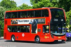 DSC_5859w (Sou'wester) Tags: bus buses publictransport psv london londontransport lt lrt tfl hydeparkcorner piccadilly route14