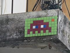 Space Invader BGK_25 (tofz4u) Tags: bangkok krungthep thailand thailande bgk25 streetart artderue invader spaceinvader spaceinvaders mosaïque mosaic tile vert green red rouge thai