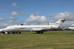 VP-CZY Boeing 727-2P1(RE)(WL) Dunview Company (pslg05896) Tags: qla eghl lasham vpczy boeing727 dunviewcompany