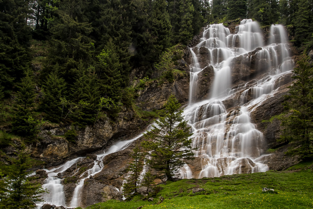 The world 39 s best photos of des and waterfalls flickr for Zoo haute savoie