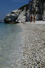Elba_Capo Bianco_00013 (moniq84) Tags: elba isola island tuscany italy sea seascape seascapes water rock rocks summer june people wave waves capo bianco portoferraio
