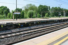 607134 Northampton 260517 (Dan86401) Tags: 607134 fta freightliner fl inner intermodal modal containerflat wagon freight northampton wcml 4m88