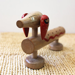 Doxie. (Kultur*) Tags: vintage vintagedecor collectibles figurines knickknacks decor homedecor animal party toothpicks 1960s serving cute toothpickholder dog dachshund doxie vintagehousewares