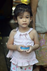 pretty in pink (the foreign photographer - ฝรั่งถ่) Tags: feb282015nikon young girl child pink top khlong thanon portraits bangkhen bangkok thailand nikon d3200