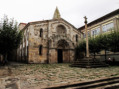 A Coruña (Rafa Gallegos) Tags: galicia acoruña españa spain colegiata colegiatadesantamaría antiguo old piedra stone iglesia igrexa igreja church