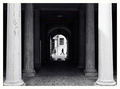 column and human (oiZox) Tags: streetphotography travellin trento italy blackandwhite monocromatico mono nikon d750 dof monochrome li light