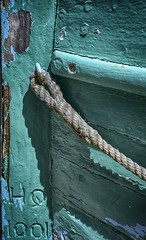 HQ1001 (Sonia Argenio Photography) Tags: flickr flickrsoniaargenio flickrbysoniaa green hq1001boat outdoors soniaargenio soniaargeniophotography wood blue paint rope turquoise