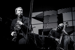 sans titre--34.jpg (jeremy bruyere) Tags: musician christianmcbride jazzfestival music umeajazz jazz people conductor percussions trombon viola bassoon classical concert doublebass drums electricbass frenchhorn guitar piano saxophone violin