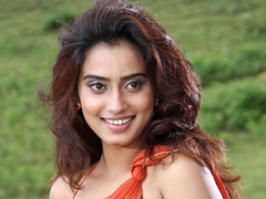 Indian Actress DIMPLE CHOPADE Hot Photos-Set-1 (35)