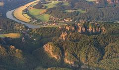 Bastei von Oben (matthias_oberlausitz) Tags: bastei rathen basteibrücke gans amselgrund lokomotive elbsandsteingebirge elbe elbtal wehlgrund sächsische schweiz