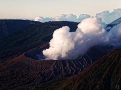 The Breath of Bromo (Fotografie mit Seele) Tags: vulkan volcano indonesien indonesia bromo tengger caldera steam