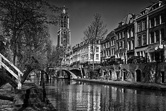 Oude gracht en Domtoren Utrecht (jo.misere) Tags: utrecht oudegracht domtoren bw zw kanaal canal