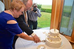 Cutting The Anniversary Cake (Joe Shlabotnik) Tags: verne july2017 takingphotos cake 2017 maine rich nancy afsdxvrzoomnikkor18105mmf3556ged