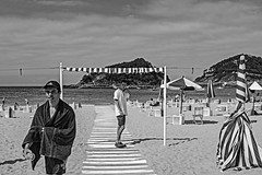 ...The  Boys on The Beach ... (Lanpernas 3.0) Tags: playa historiasdeplaya chicos boyz baywatch beach irreal