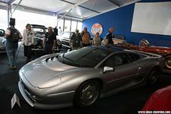 Le Mans Classic 2014 - Jaguar XJ220 (Deux-Chevrons.com) Tags: jaguarxj220 jaguar xj220 car coche voiture auto automobile automotive lemans lemansclassic oldtimer ancienne collection collector collectible vintage artcurial auction enchère