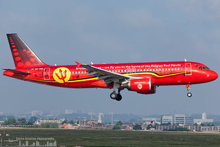 OO-SNF Brussels Airlines Airbus A320-214  painted in Belgian Red Devils special colours (BRU - EBBR)