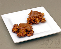 Dulce de Leche Almond Krispies - D&D_1917 (Deft & Daft) Tags: dessert seasalt dulcedeleche almonds crispyricecereal june 2017