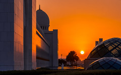 Every sunset is an opportunity to reset (JohnNguyen0297 (busy - on/off)) Tags: sunset watchingsunset sheikhzayedgrandmosque grandmosque abudhabi surreal amazing