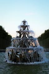 En descendant vers le Bassin de Neptune (vince.meslet) Tags: chateaudeversailles fontainesmusicale