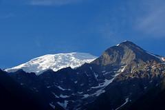 Début de journée sur le Dôme et l'Aiguille du Goûter (bernarddelefosse) Tags: dômedugoûter aiguilledugoûter montagne leshouches massifdumontblanc hautesavoie rhônealpes