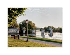 Vieux Pont (MOINELE) Tags: pont seine poissy rivage banc lampadaire rivierre chemin yvelines iledefrance