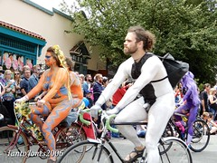 DSCN2132 (IantoJones2006) Tags: fremont solstice cyclists 2017 naked bike seattle parade nude painted body paint bicycle