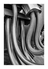Same same but different. (Anscheinend) Tags: art fineart photography perspective artistic blackandwhite bw tubes pipes schläuche schlauch architecture architektur urban style city stadt metal metall silver silber surface
