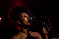 La Marquise (Renaud Alouche) Tags: concert live women woman sing chanteuse monlyon marquise lyon night afro hair beautiful colors color red light dark