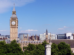 Big Ben (Kombizz) Tags: 1190794 kombizz 080717 july2017 bigben architecture building tower elizabethtower clocktower gothicrevival charlesbarry augustuspugin cityofwestminster trees rooftops