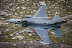 USAF F-16C Fighting Falcon 480th Fighter Squadron 'Warhawks' (Tom Dean.) Tags: nikon bluebell fighting falcon machloop f16 fastjet 500mm tomdean viper callsign wales usaf fighter roundabout f16c weasel vr lowlevel d810
