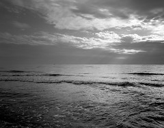 Viareggio, Italy. (wojszyca) Tags: wanderlust travlewide 90 schneiderkreuznach angulon 90mm 4x5 largeformat ilford hp5 hc110 163 gossen lunaprosbc epson v800 landscape seascape sky clouds sunlight nature sea horizon