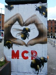 Love Manchester 🌺🌸🌼🌺🌸🌼🌺🌸🌼tribute. (rossendale2016) Tags: streetpassionaward theperfectphotographer art street clever iconic quarter northern cowards against tribute brave logo heart fingers hand bees love manchester