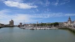 Le port de La Rochelle (17) (Yvette G.) Tags: 1mois1thème panorama larochelle 17 charentemaritime port mer bâteau poitoucharentes nouvelleaquitaine