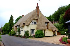 Newly Thatched Cottage (clivea2z) Tags: unitedkingdom greatbritain hampshire testvalley andover rivertest wherwell cottage thatchedcottage newlythactchedcottage newthatch thatchedroof cliveardontz