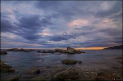 El cielo y el mar (antoniocamero21) Tags: rocas paisaje marina color foto sony atardecer tormenta calella girona catalunya