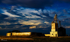 Life in Texas (anthonysama) Tags: texas texan sunset sunrise sunlight golden hour goldenhour beauty beautiful beautyinnature naturalbeauty cloudscape clouds cloudy storm stormy moody tranquil inspiring inspirational field factory rust rustic rusty rusted