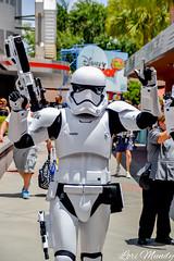 Stormtrooper (disneylori) Tags: stormtroopers theforceawakens starwars disneycharacters characters hollywoodstudios waltdisneyworld disneyworld wdw disney
