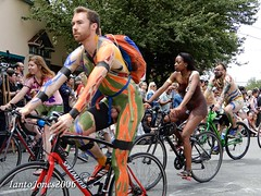 DSCN2106 (IantoJones2006) Tags: fremont solstice cyclists 2017 naked bike seattle parade nude painted body paint bicycle
