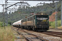 Tándem única (Trenesmania) Tags: tren trenes train trains railway ferrocarril renfe adif mercancías butano butanero tandem 289 289108 locomotora vagones cisternas tramesa