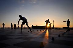 Tramonti labronici (Marco Forgione) Tags: livorno mascagni toscana tuscany sunset sea mare skate controluce sun sole nikon d90 lightroom