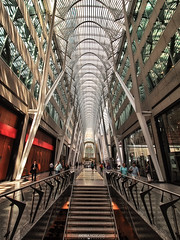 Allen Lambert Galleria - Brookfield Place, Toronto (Ontario, Canada) (Andrea Moscato) Tags: andreamoscato canada america light shadow architecture architettura architect arco art arte architetto architectural artist iron structure stair stainlesssteel interior interni atrium santiago calatrava roof red white people persone perspective cielo city town downtown civiccenter