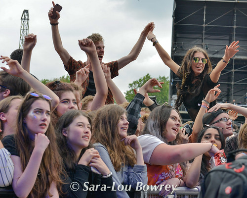 Crowds at Community Festival 2017
